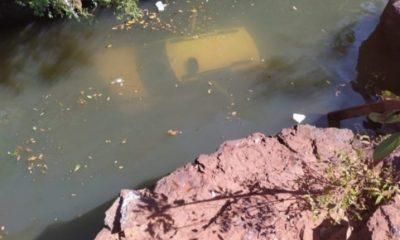 De forma heroica, dois policiais militares salvaram um bebê e um jovem de 17 anos, após o veículo em que estavam cair de uma ponte na região de Imperatriz - MA.