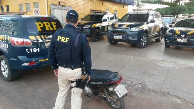 Jovem de 16 anos é apreendido pela PRF na BR 010 com moto roubada