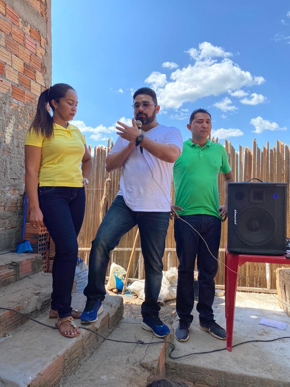ROSA PERREIRA COMEMORA ANIVERSÁRIO AO LADO DE FAMILIARES, AMIGOS E POLÍTICOS