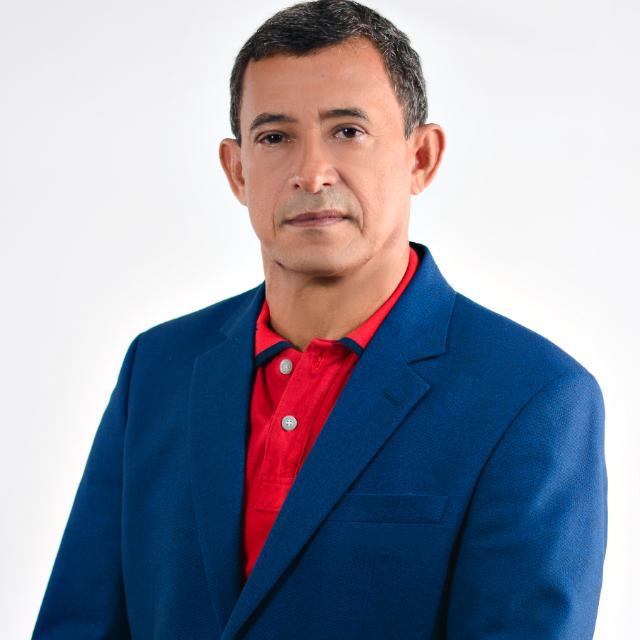 BLOG PARABENIZA DR. ENOC LOPES PELO SEU ANIVERSÁRIO