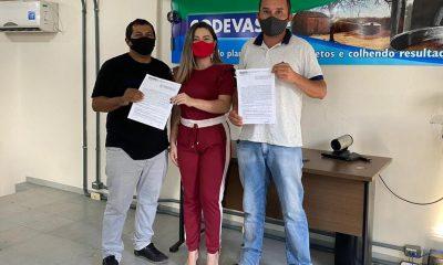 EM BERNARDO DO MEARIM-MA, GERÔNIMO VIABILIZA CAMINHÃO PARA POVOADOS