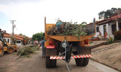 Prefeitura de Peritoró realiza mutirão para recuperação de vias e espaços públicos