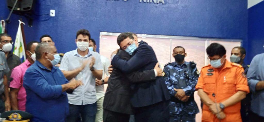 MILTINHO ARAGÃO PARTICIPA DO ATO DE ENTREGA DA VIATURA PARA A POLÍCIA CIVIL