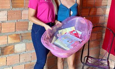 a entrega de enxoval para Thais, jovem de 18 anos de idade, está no sétimo mês de gestação, moradora da rua travessa da faixa do município de Peritoró-MA.